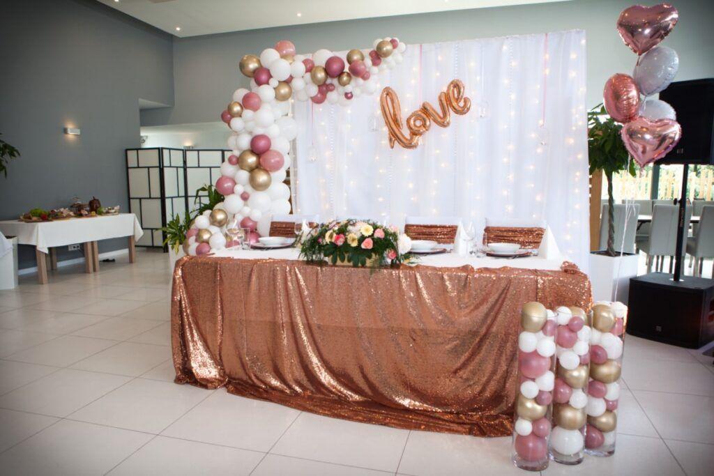 Ścianka za parą młodą na wesele w Katowicach